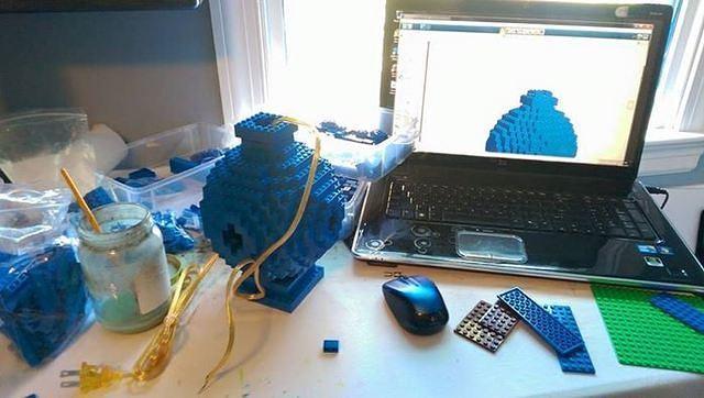 Building LEGO Lamp